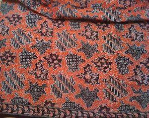 Awalnya Batik Paoman hanya memiliki dua warna, yakni warna kain dan ...